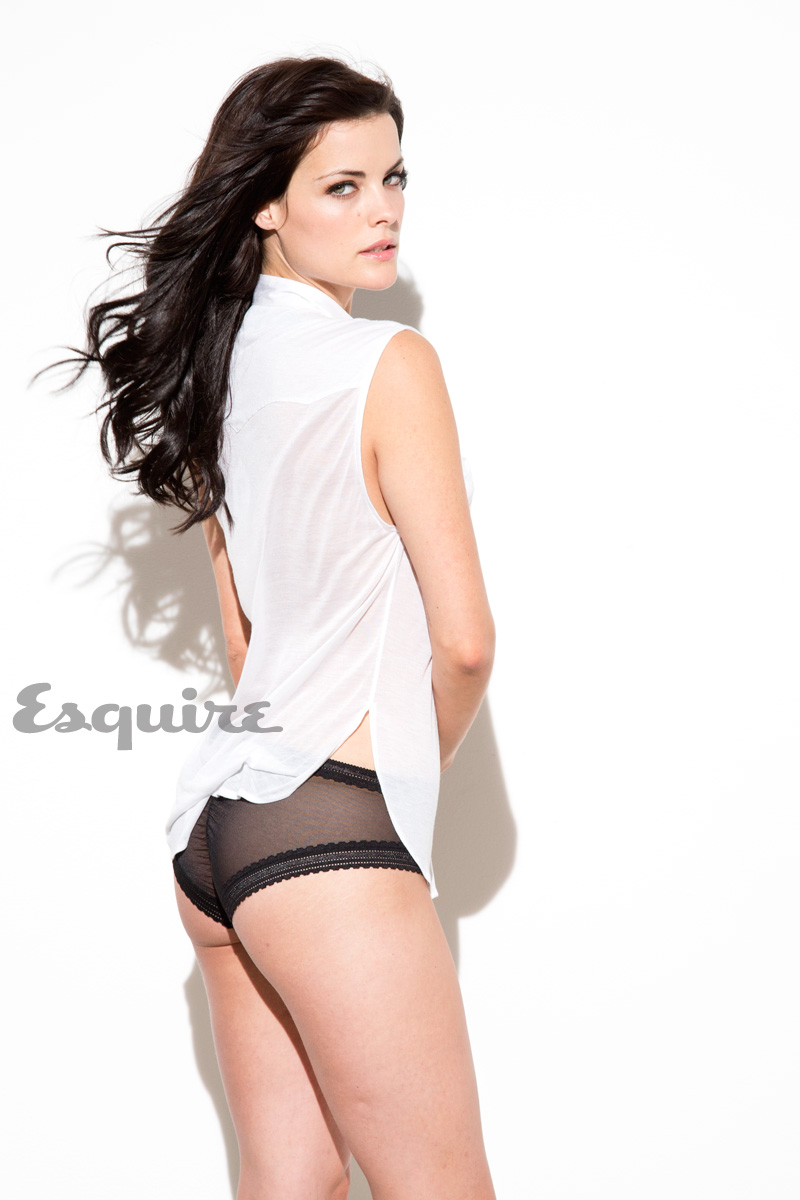 Thor Star Jaimie Alexander Poses For Esquire Cinemaniax