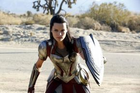 Sneak Peek: Lady Sif Beams Down to Midgard with a Warning