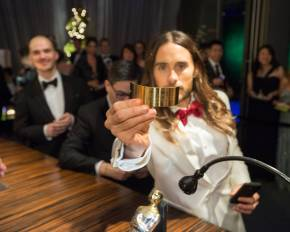 Oscars Behind-the-Scenes: See How They Attach Winner's Name toTrophy