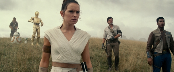 (Left to right( Chewbacca (Joonas Suotamo), BB-8, D-O, Rey (Daisy Ridley), Poe Dameron (Oscar Isaac) and Finn (John Boyega) in STAR WARS: THE RISE OF SKYWALKER